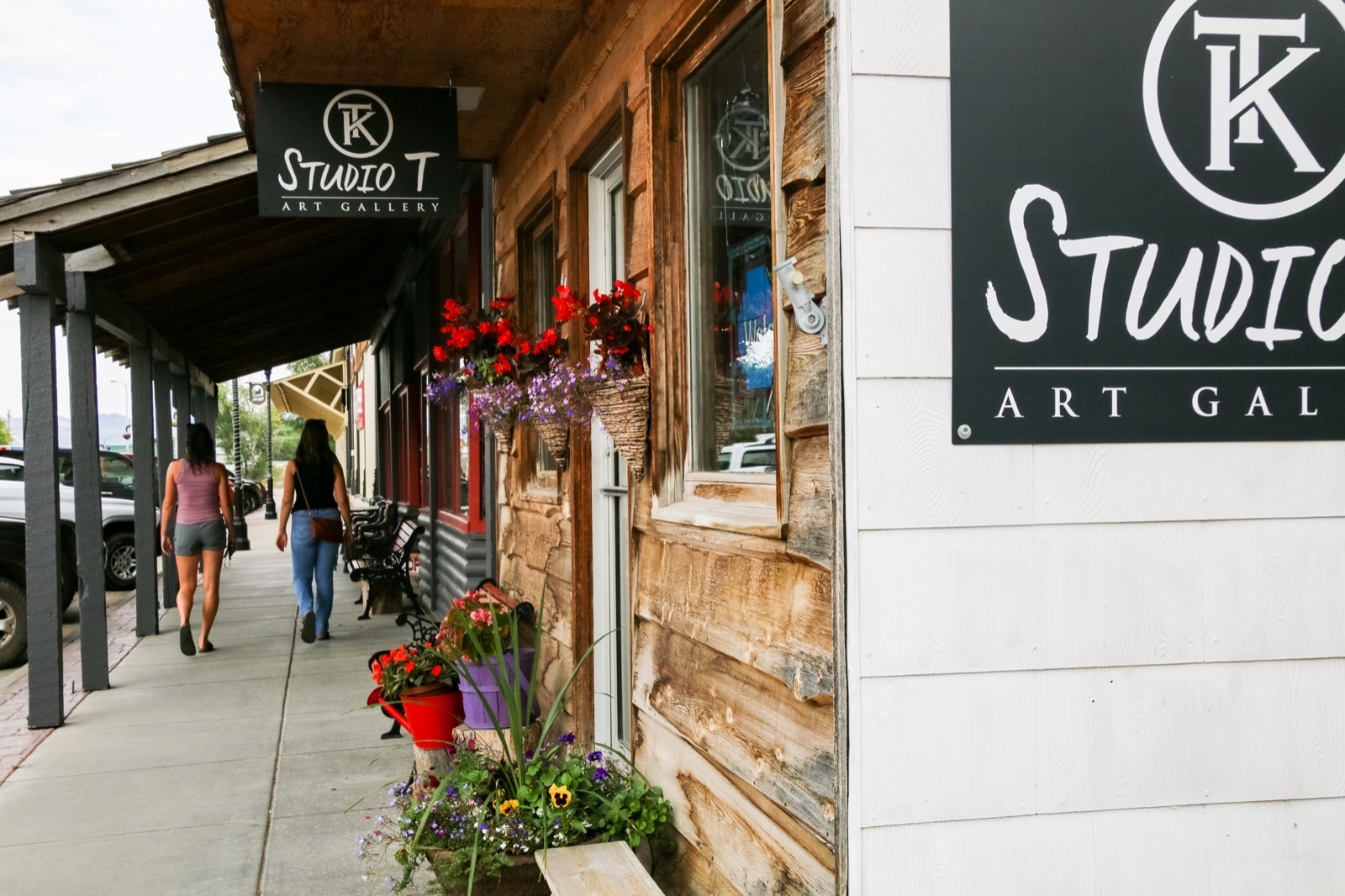 Our escape to Saratoga included adorable downtown shopping