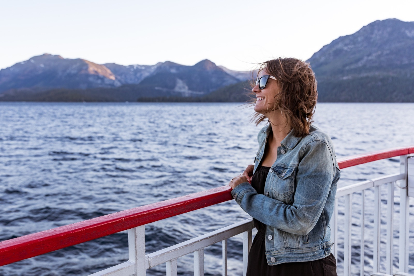 california-high-sierra-south-lake-tahoe-zephyr-cove-sunset-cruise-3