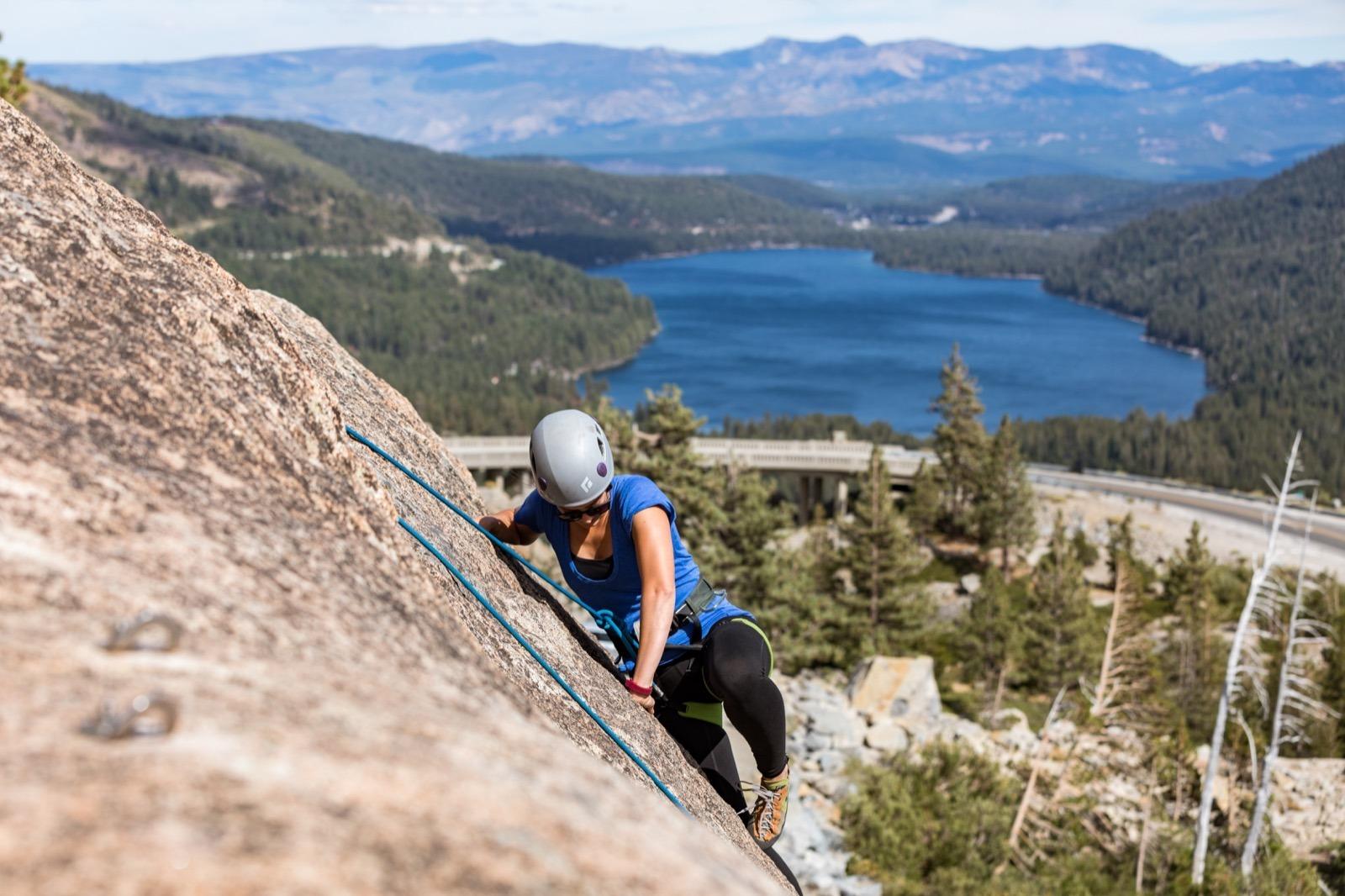 california-high-sierra-truckee-rock-climbing-lesson-donner-summit-school-rock-1